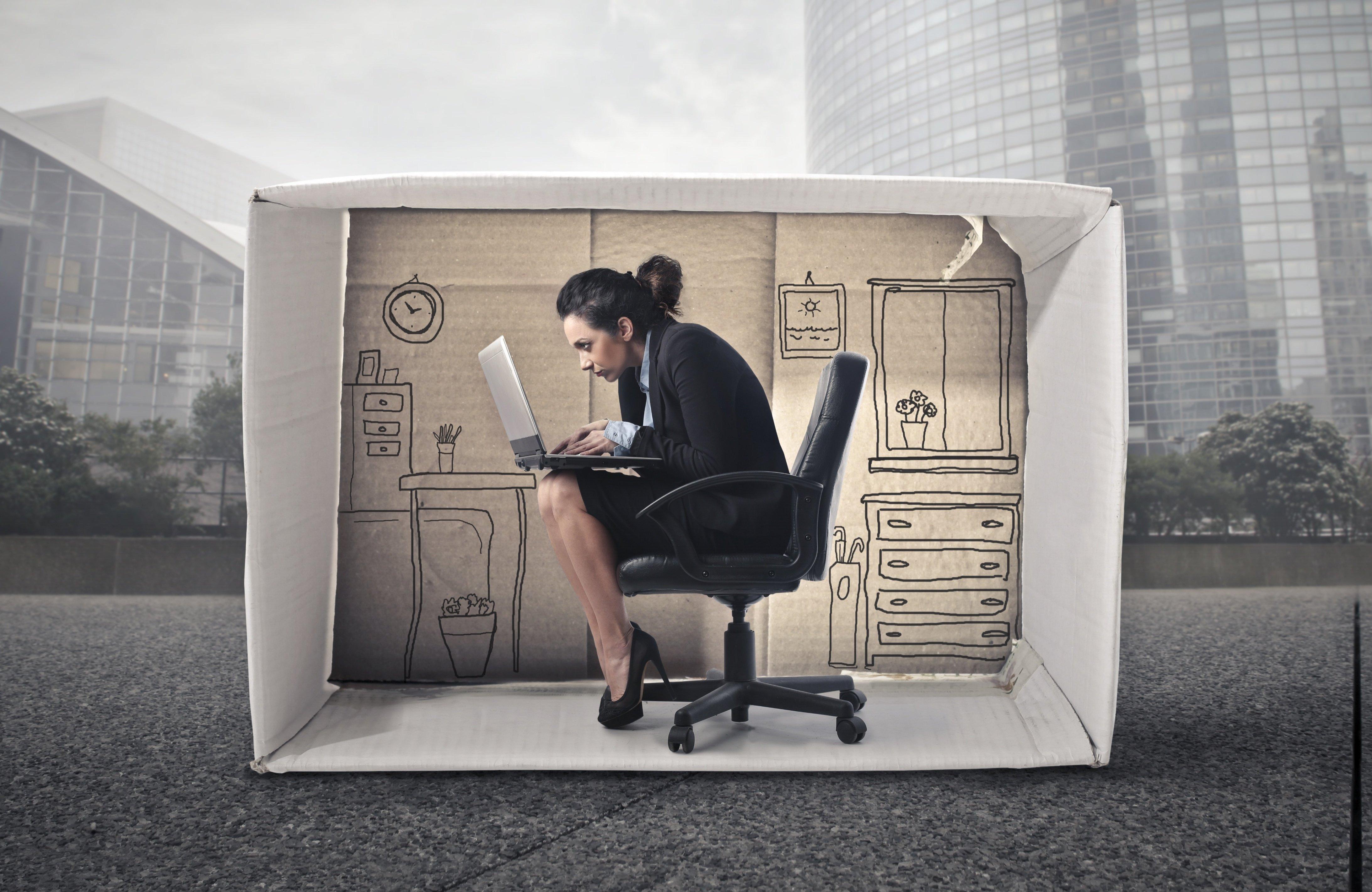 Small office 1-122829-edited.jpg
